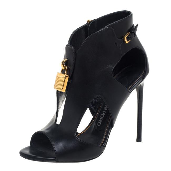 Item - Black Leather Lock Size 38 Boots/Booties