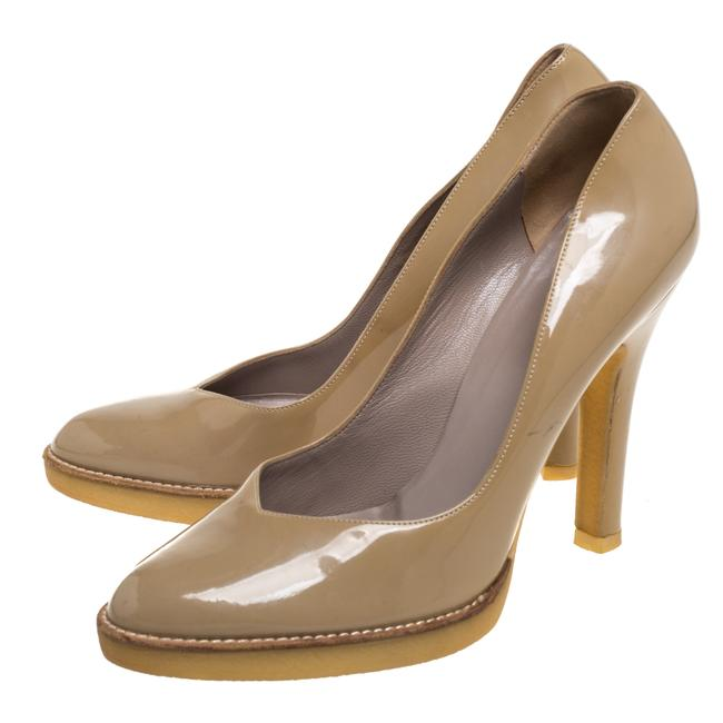 Gucci Beige Patent Leather Slip On Size 39 Pumps Gucci Beige Patent Leather Slip On Size 39 Pumps Image 4