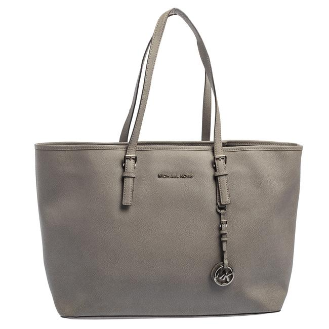 Item - Grey Saffiano Leather Large Jet Set Middle Zip Tote
