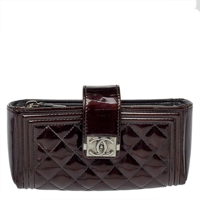 Item - Brown Quilted Patent Leather Cc Phone Holder Clutch