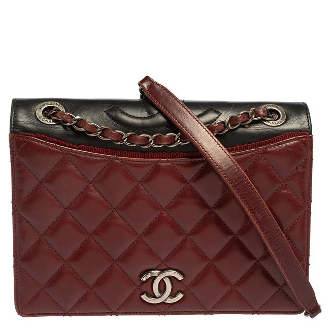 Item - Classic Flap Burgundy and Dark Grey Quilted Leather and Grosgrain Small Ballerine Shoulder Bag