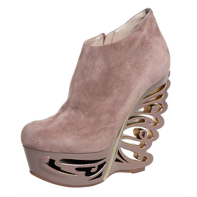 Item - Beige Suede Butterfly Wedge Size 38 Boots/Booties