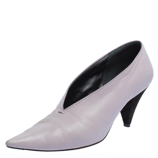 Item - Purple Leather V-neck Pointed Size 40 Pumps