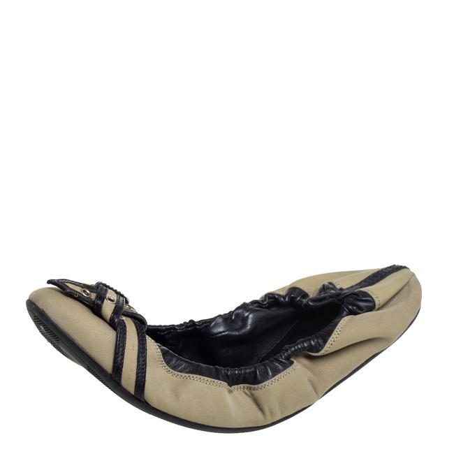 Burberry Beige/Black Leather and Canvas Scrunch Ballet Size 39 Flats Burberry Beige/Black Leather and Canvas Scrunch Ballet Size 39 Flats Image 1