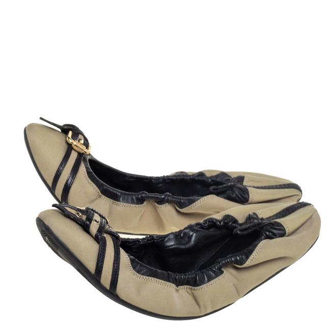 Burberry Beige/Black Leather and Canvas Scrunch Ballet Size 39 Flats Burberry Beige/Black Leather and Canvas Scrunch Ballet Size 39 Flats Image 4