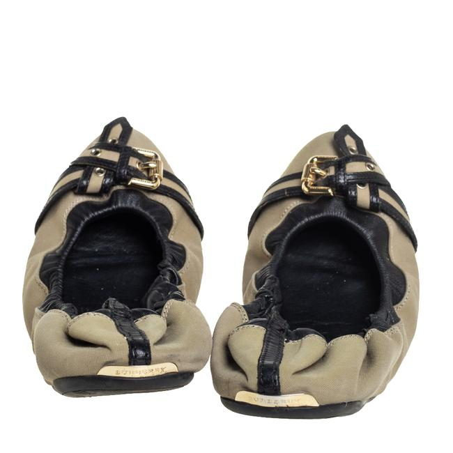 Burberry Beige/Black Leather and Canvas Scrunch Ballet Size 39 Flats Burberry Beige/Black Leather and Canvas Scrunch Ballet Size 39 Flats Image 5