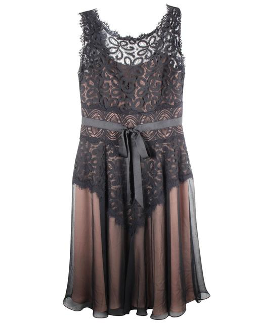 Item - Lace -pre Owned Condition Very Good Us0 Formal Dress