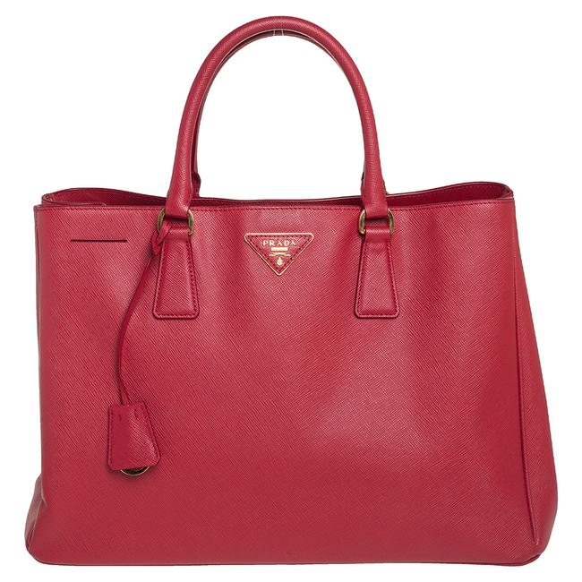 Item - Lux Red Saffiano Leather Large Gardener's Tote