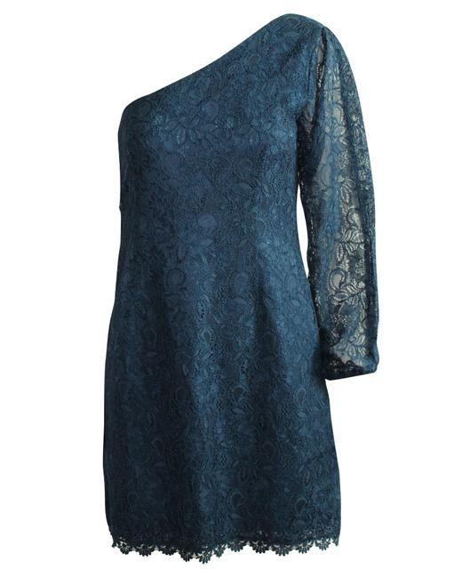 Item - Lace -pre Owned Condition Excellent Formal Dress