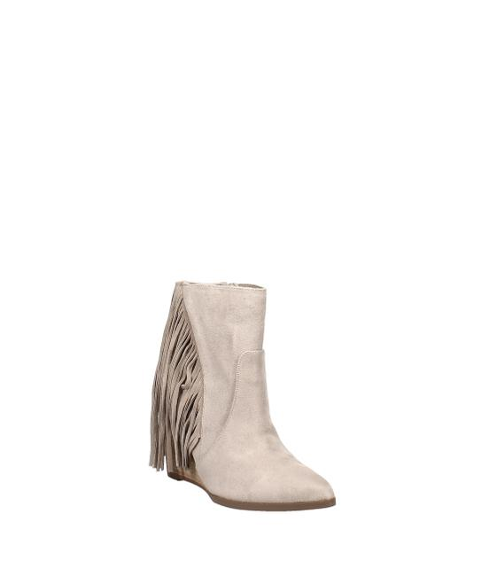 Item - Mika Western Boots/Booties