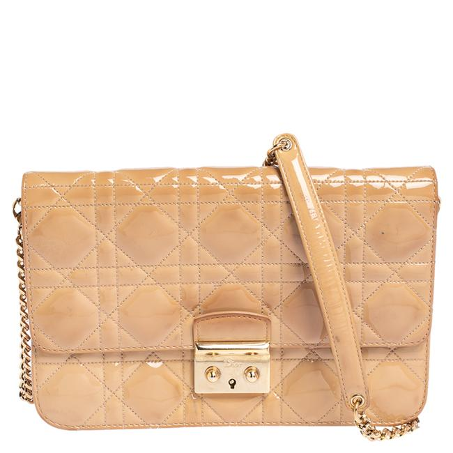Item - Chain Cannage Patent Leather Miss Promenade Shoulder Bag