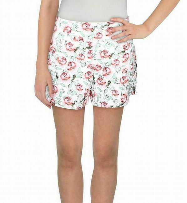 Item - Women's White Size 2 Casual Floral Regular Fit Pockets Shorts