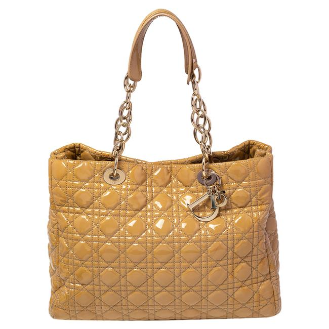 Item - Cannage Quilted Patent Leather Large Shopper Tote