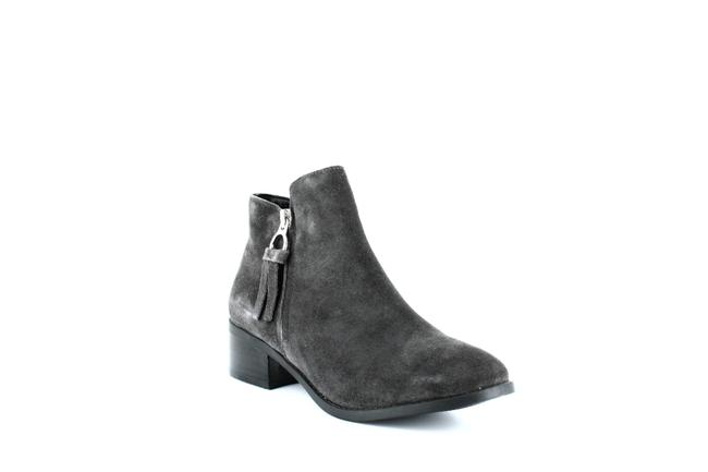 Item - Dacey Suede Ankle Boots/Booties