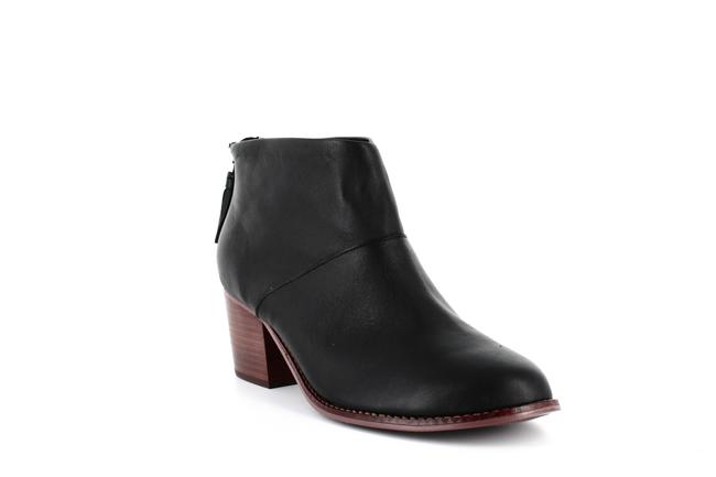 TOMS Leila Leather Ankle Boots/Booties TOMS Leila Leather Ankle Boots/Booties Image 1