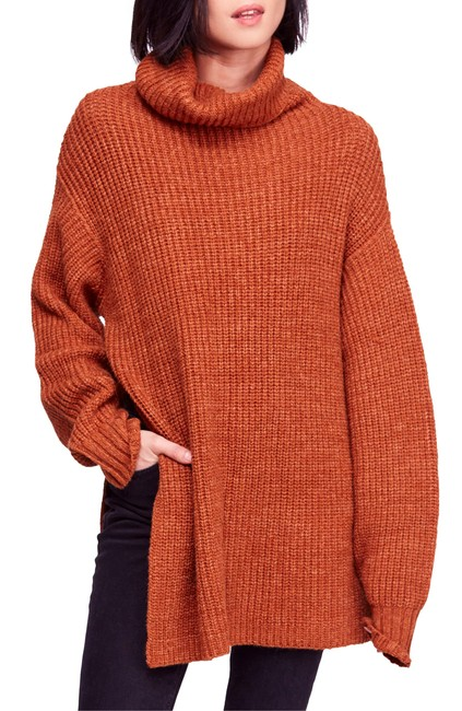 Item - Eleven Sweater/Pullover