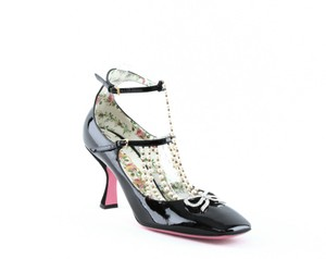 Gucci Taide Embellished Pumps