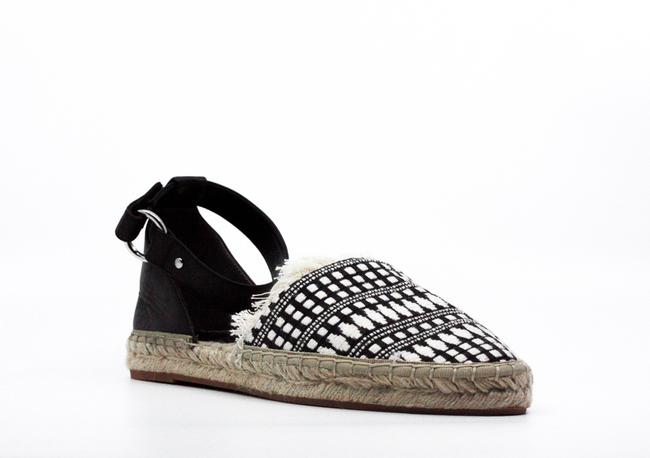 Item - Vicky Closed Toe Sandals